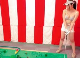 素人娘が諭吉ゲットのためにエッチなゲームに挑戦! 罰ゲームはもちろんセックス!!