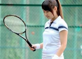 テニスをしている現役JDがAVデビュー! カメラの前で見せる初めてのセックス!!