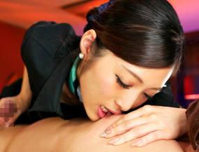 痴女エステ嬢が乳首を噛みながら手コキしてくるM男クン向けプレイ。「まだいっちゃダメだってぇ」阿部栞菜