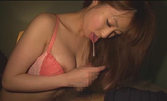【乳首舐め】唾液タップリで体中舐め回されて手コキ抜き【すみれ(東尾真子)】