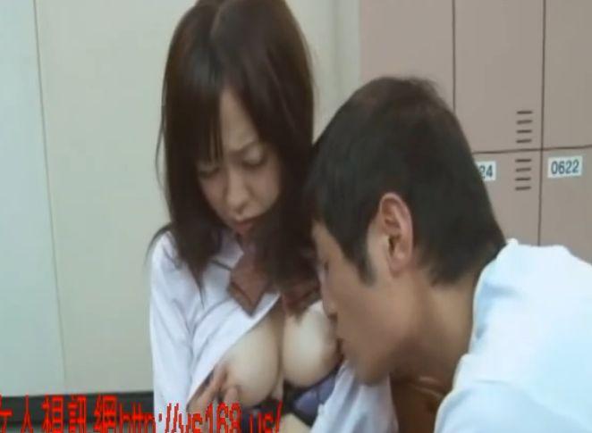 思春期で男の先生にすり寄ってくる子を食べちゃう先生 岩佐あゆみ 篠田ゆう