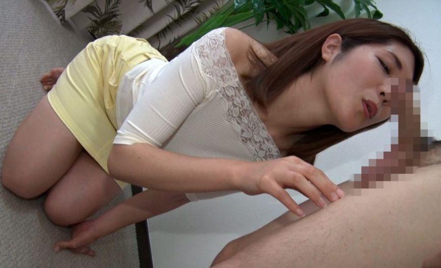 美形でちょっといやらしい人妻たちがオマンコを他人に開放して、情けないセンズリ男子のチンポを生挿入でザーメン受精!||