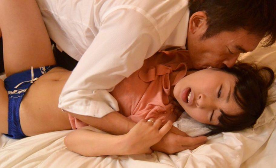 私は夫に必要とされていないのだろうか…。息抜きに始めた保育施設で沢木さんに出会った。関根奈美||