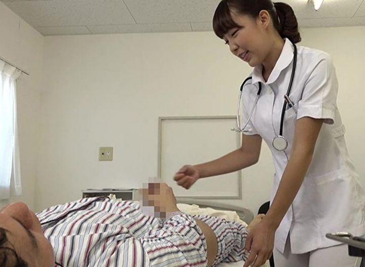 仕事中のオナニーを見られてしまった看護師は…
