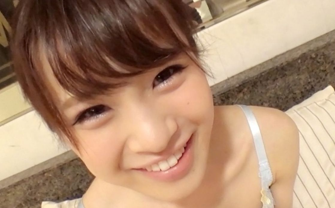 密室で2人だけのときに見せるChihiroちゃんの弾ける笑顔と恥じらい。