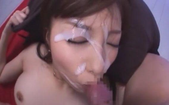 大量の精子が顔面を覆い尽くす…しかもたった1発で!美雪ありす