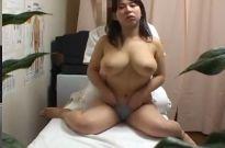 歌舞伎町整体シリーズ 爆乳のムチムチお姉さんを言葉巧みに騙す猥褻マッサージで膣内挿入