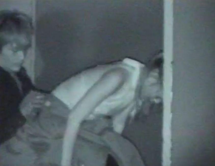 ホスト風の男がバックで生ハメしているところを隠し撮り