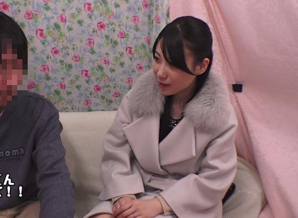 【人妻ナンパ】『良かったら…オバさんとやる?』童貞少年と密室でAV鑑賞した奥さまが発情してしまった結果wwww