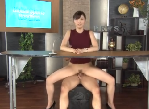 女子アナが番組中放送禁止用語!セックススポーツを淫語交じりで紹介し実際に半裸で中出しプレイ!唯川みさき♀『5分以内にイカされた方が負けになります』