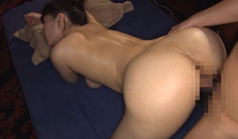 純粋にセックスがしたくて関西からはるばるやって来た元看護師の奥さん。
