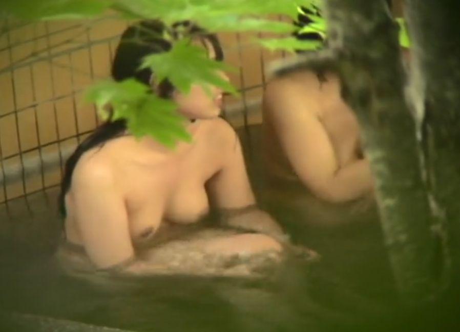 露天風呂で若い子狙って隠し撮り、いい感じの姉妹