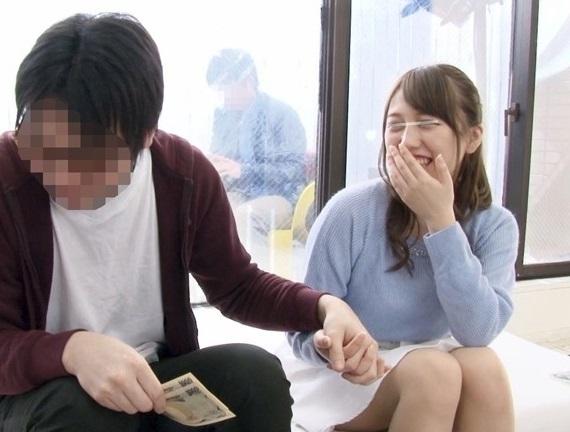 【モニタリング】友よ許せ…親友の可愛すぎる彼女に1発10万円の筆おろしSEXをしてもらった童貞大学生www