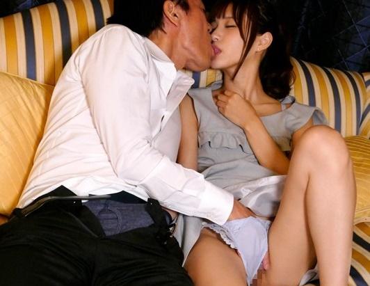 【痴女】「オジサンが好きなんです…」こんな可愛いのに絶倫親父と交尾しちゃうけどチ●ポの相性も異常に良い!!【天使もえ】