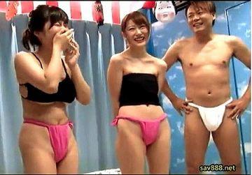 【マジックミラー号】お祭り女子がフンドシに着替える!恥ずかしい企画!