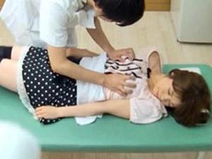 「お願いします…待って下さい…」初回無料という言葉に釣られた巨乳素人娘がエロマッサージ師に犯される
