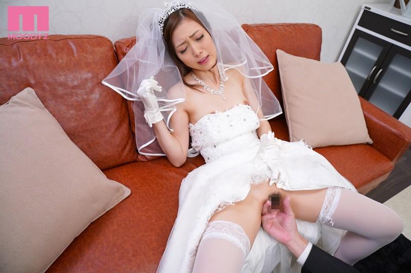 NTR ブライダルエステに通い詰める婚約者がエステティシャンの指テクで寝取られていた映像 阿部栞菜
