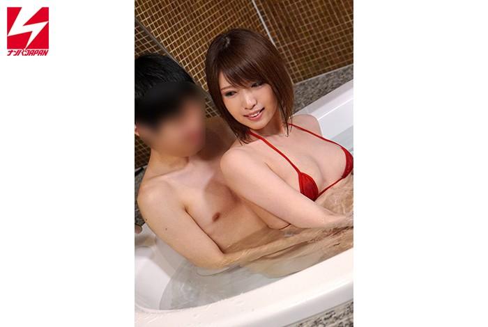 「絆を深めるには混浴が一番って知ってましたか?」 街で見かけた女上司と男部下が二人きりで初めての混浴体験!人妻編!!