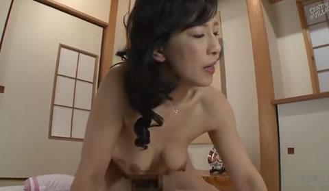 [色白]「秋美」(KAKUJITSU)