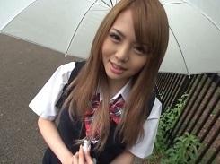 傘とギャル校生