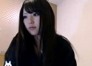 【無修正】黒髪巨乳の超美少女が生放送でおま〇こモロ出しのオナニー実況!
