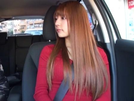 アイドルルックスの女子大生を自室に連れ込み生ハメした個人撮影!