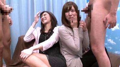 「私もッイクっ!」素人美女の二人組がおまんこ痙攣させながら潮吹きパコ!