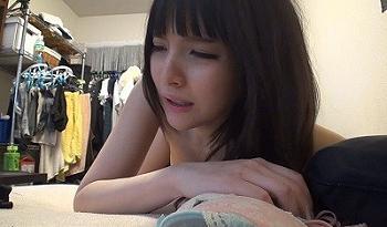Dカップ美乳な素人の女子大生をヤリ部屋に連れ込んでハメ撮り