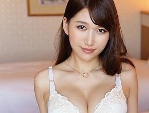 Gカップ巨乳にムチムチBODYの最高にエロい身体をした25歳、人妻との濃密セックス
