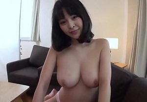 【無修正】真菜果 ぷるぷる巨乳な色白美女との濃密な3P生ハメ!