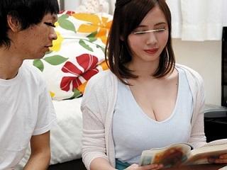 吉川あいみ Hカップおっぱいで男子生徒を誘惑し中出しさせる家庭教師のお姉さん