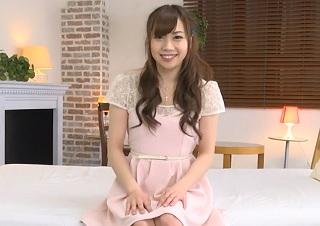 【無修正】遠藤あいこ アイドル顔負けな可愛さを誇る美少女のピンクマンコを生チンで犯す中出しハメ