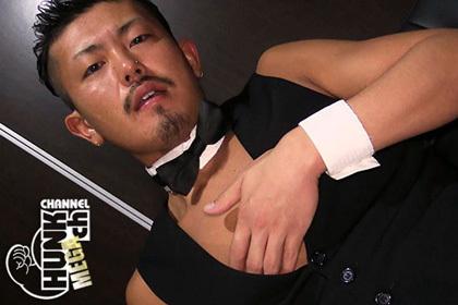 自分のザーメンを味見する「ザーメンソムリエシリーズ」にゲイが登場!