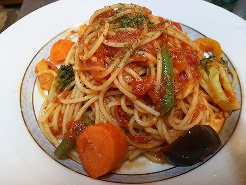 草津温泉カフェ花栞(はなしおり)トマトソースのスパゲッティ