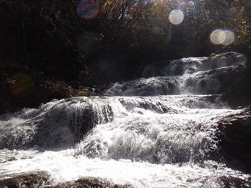 20171101北軽井沢、紅葉の魚止めの滝2