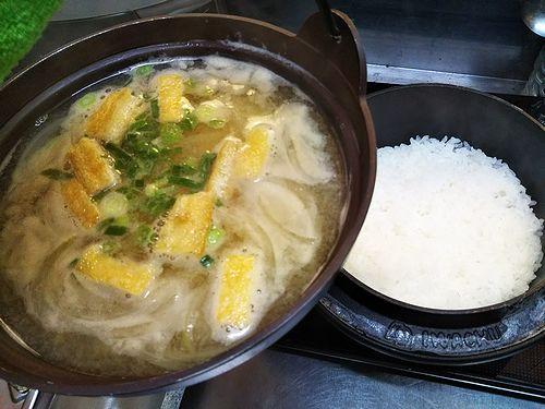 20180321草津温泉民泊花栞(はなしおり)宿泊のお客様の朝食の味噌汁とご飯