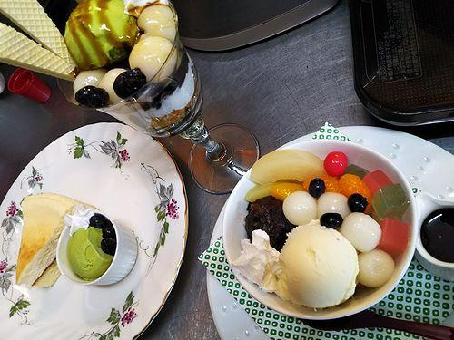 20180322草津温泉カフェ花栞(はなしおり)白玉抹茶パフェ、白玉クリームあんみつ、チーズケーキ
