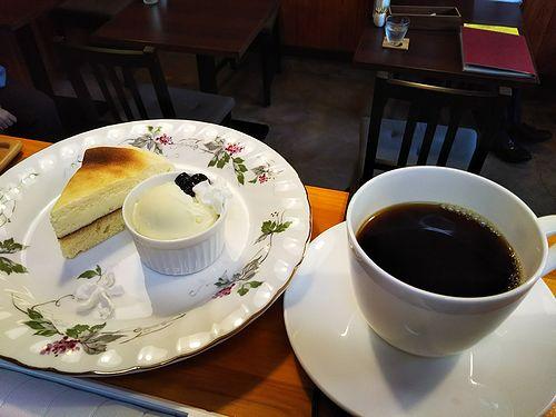 20180415草津温泉カフェ花栞(はなしおり)チーズケーキとコーヒー