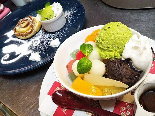 20180508草津温泉カフェ花栞(はなしおり)スイーツメニュー。白玉クリームあんみつ、アップルパイ