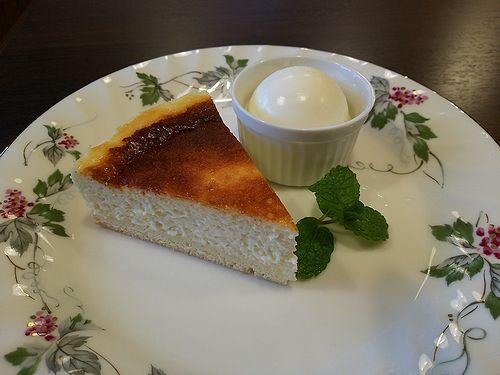 草津温泉カフェ花栞(はなしおり)チーズケーキ