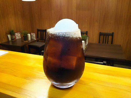 草津温泉カフェ花栞(はなしおり)コーラフロート