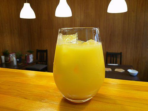 草津温泉カフェ花栞(はなしおり)オレンジジュース