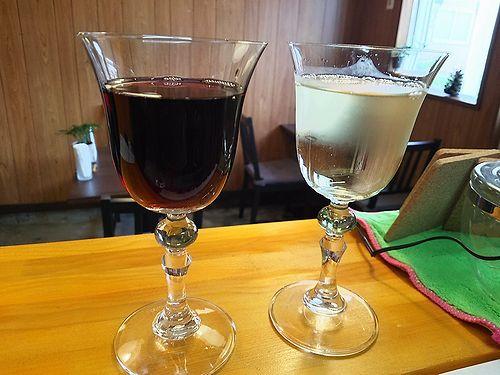 草津温泉カフェ花栞(はなしおり)グラスワイン