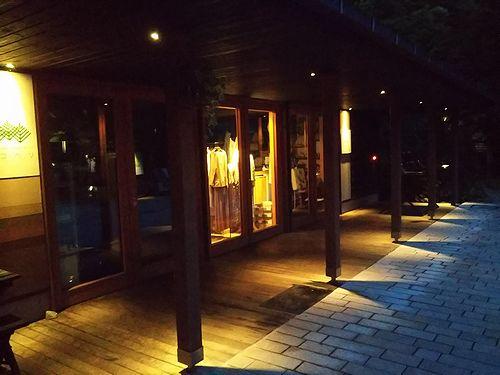20180606長野県軽井沢町ハルニレテラス、アンブレラスカイ1