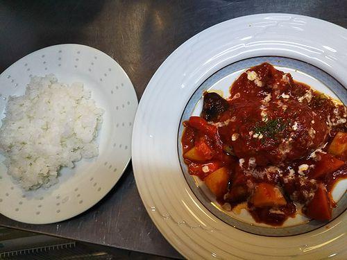 20180611草津温泉カフェ花栞(はなしおり)トマトソース煮込みハンバーグ (1)