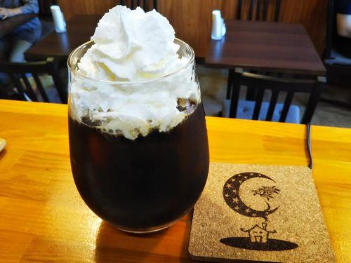 20180803草津温泉カフェ花栞(はなしおり)アイスコーヒーたっぷりホイップクリーム