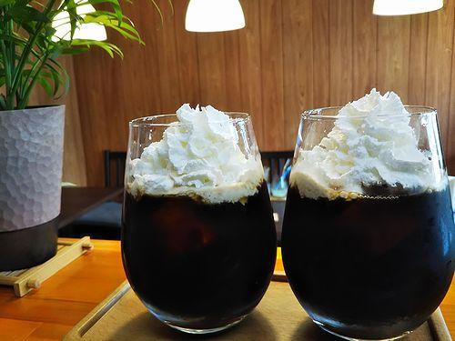 20180811草津温泉カフェ花栞(はなしおり)アイスコーヒーたっぷりホイップクリーム