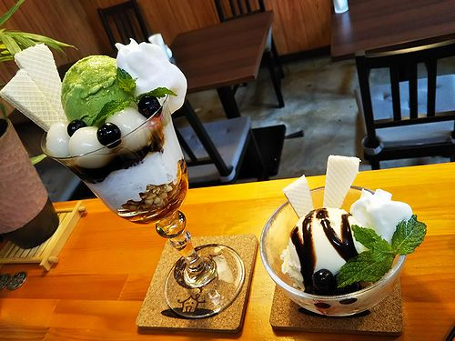 20180906草津温泉カフェ花栞(はなしおり)白玉抹茶パフェ、バニラアイス