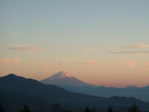 2006.11.山梨県北杜市、清泉寮から見た富士山