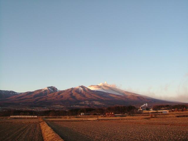 2009.2.長野県小諸市、夕焼けの浅間山